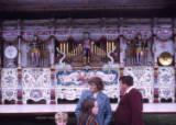 organ front, 1974.